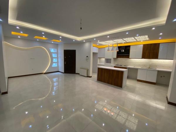 آپارتمان فروشی فاز 2 - مجتمع سفیر بالای میدان امام - 110 متری